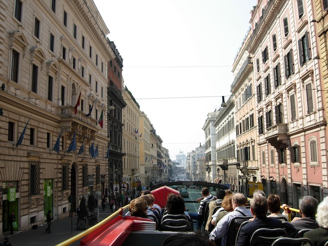 Sightseeing Bus in Rom